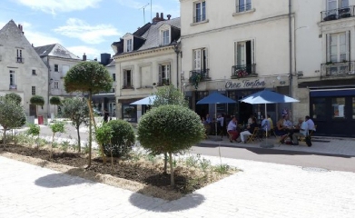 TOURS (37) - Place Chateauneuf image 3