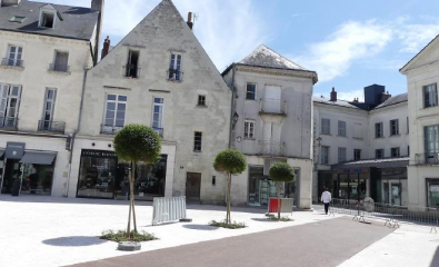 TOURS (37) - Place Chateauneuf