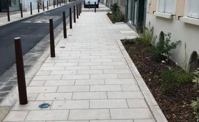 FONTAINEBLEAU (77) - Rue du Chateau image 2