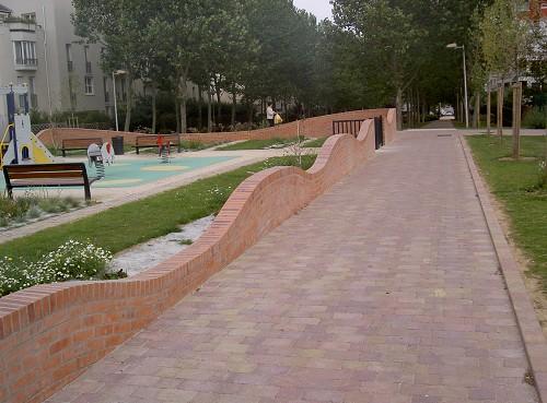 Mur en brique - lognes 2003