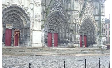 MEAUX (77) - Réaménagement et mise en valeur de l'esplanade de la Cathédrale 2012-2013 image 5