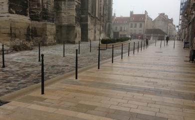 MEAUX (77) - Réaménagement et mise en valeur de l'esplanade de la Cathédrale 2012-2013 image 7