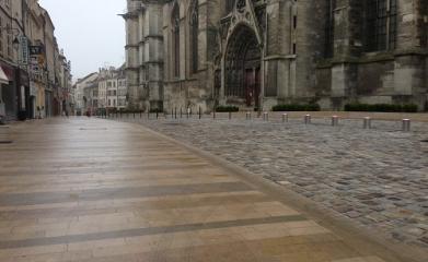 MEAUX (77) - Réaménagement et mise en valeur de l'esplanade de la Cathédrale 2012-2013 image 6