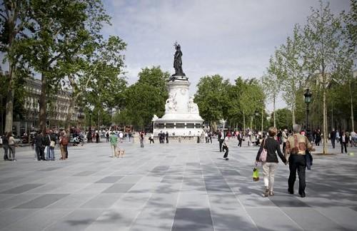 PARIS - Place de la République - Juin 2013