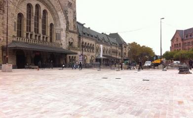 METZ (57) - BHNS Mettis Place de la Gare - 2012 image 2